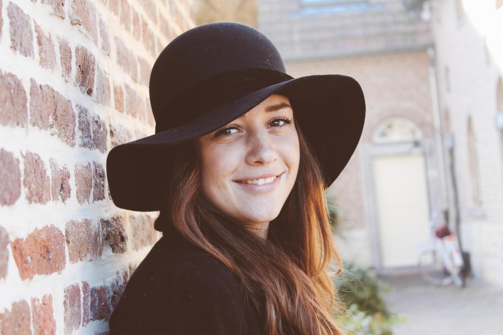 High black hat-3