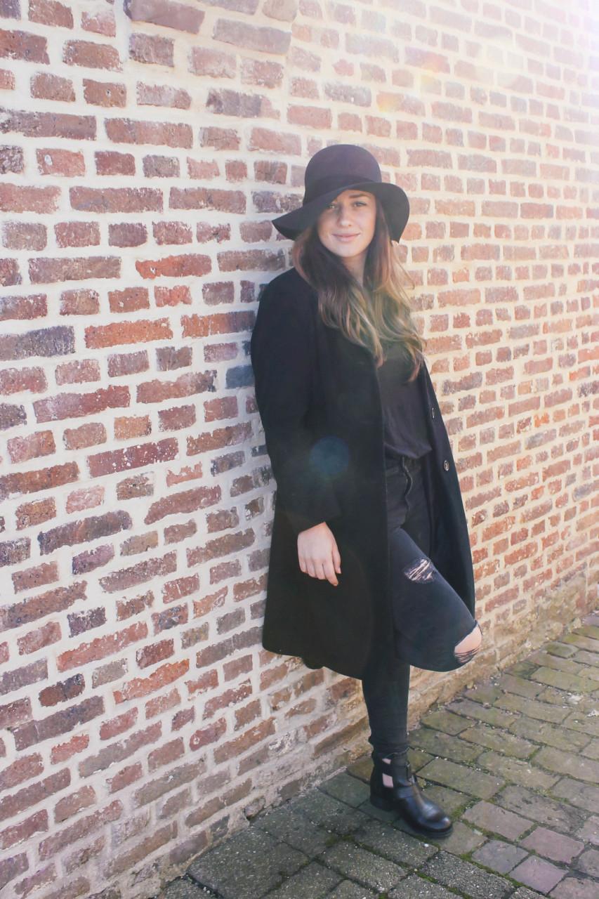 High black hat-4