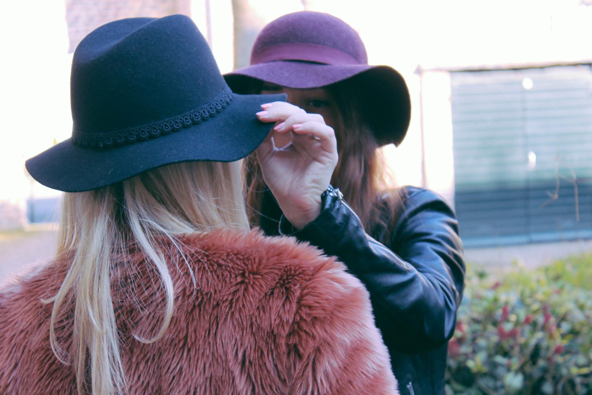 Indi black hat-1